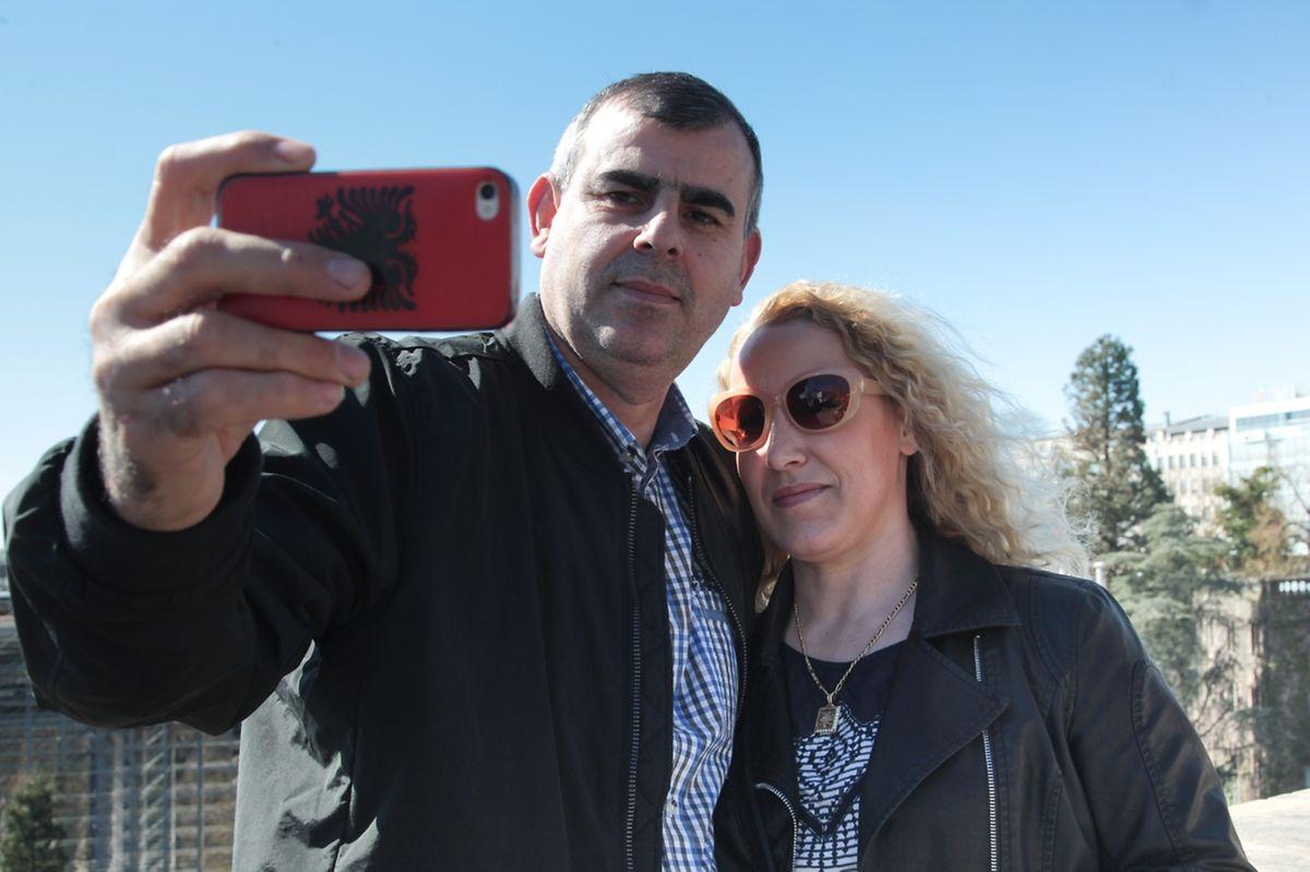 Noch schnell ein Selfie beim renovierten Pont Adolphe machen, bevor es weiter zum großherzoglichen Palast geht.