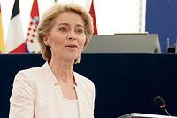 16.07.2019, Frankreich, Straßburg: Ursula von der Leyen hält eine Rede nach der Bekanntgabe der Wahlergebnisse im Plenarsaal. Von der Leyen wird die neue EU-Kommissionspräsidentin. Die Staats- und Regierungschefs der EU hatten die CDU-Politikerin als Nachfolgerin von EU-Kommissionspräsident Juncker vorgeschlagen. Foto: Michael Kappeler/dpa +++ dpa-Bildfunk +++