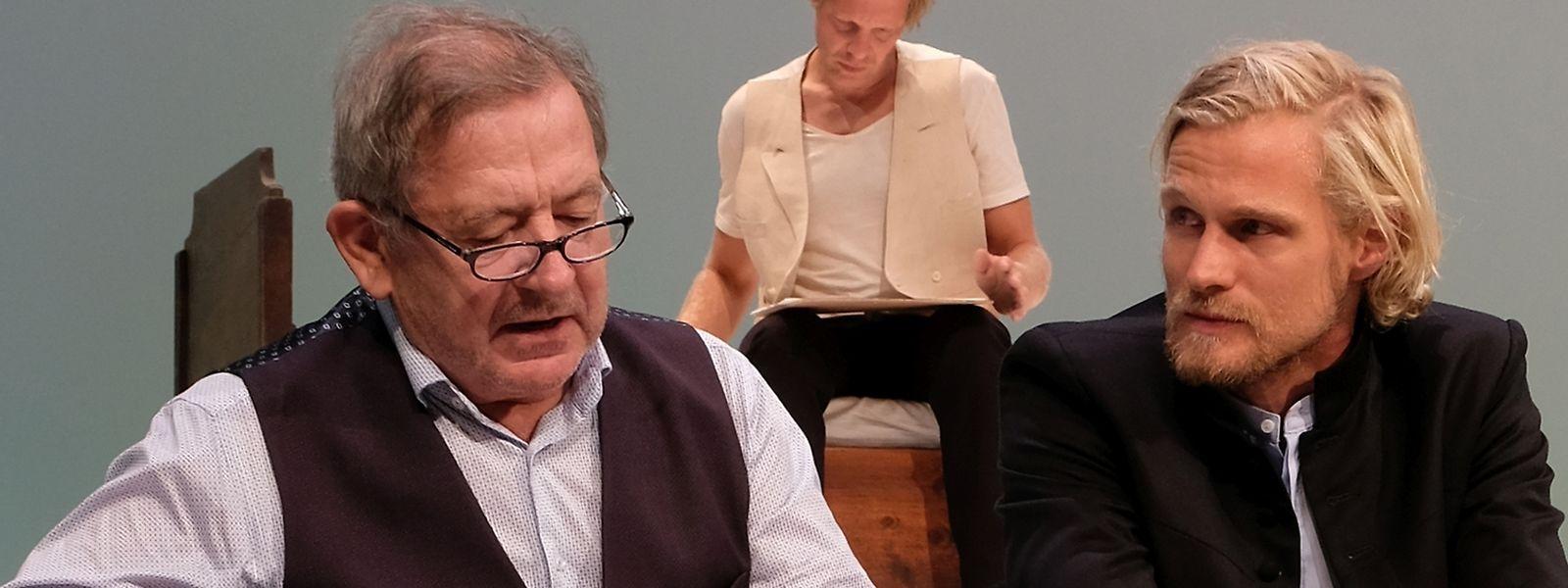 André Jung, Jirka Zett und Jan Bluthardt (vlnr) in einer Szene aus Lenz, nach der Erzählung von Georg Büchner, am Schauspielhaus Zürich.