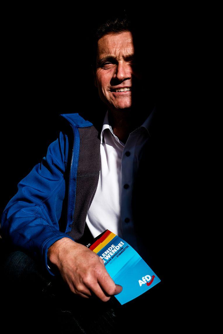 Uwe Thrum, o candidato da extrema direita nas eleições regionais da Turíngia no distrito a que pertence a metade leste de Modlareuth.