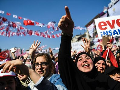 'Yes' we can: People cheer as Turkish president delivers speech in Istanbul on April 15, 2017.
