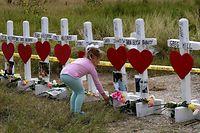 Ein schwer erträgliches Bild: Trauer um 26 Opfer des Massakers von Sutherland Springs.