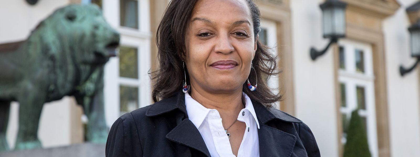 Vera Diniz de Moura seguiu o caminho do pai, que foi secretário da Frente Nacional de Libertação de Angola, e entra agora na política.