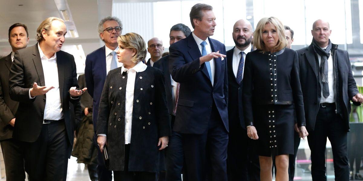 Le Grand-Duc Henri et la Grande-Duchesse Maria Teresa arrivent à la Station F pour une visite du plus gros incubateur au monde.
