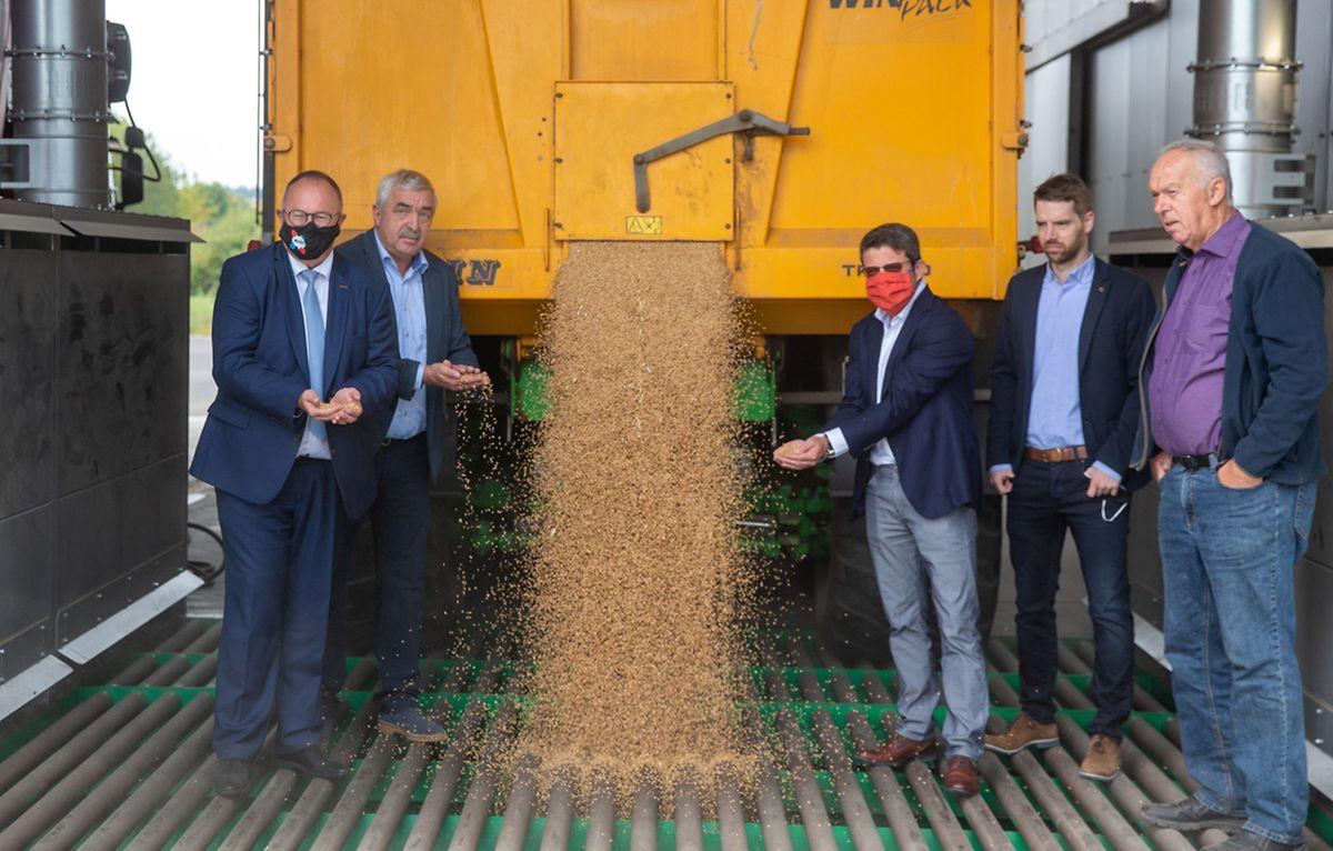 In den neuen Anlagen der Lëtzebuerger Saatbaugenossenschaft läuft die Arbeit zurzeit auf Hochtouren. Die Corona-Krise hatte deren Inbetriebnahme empfindlich in Verzug gebracht.
