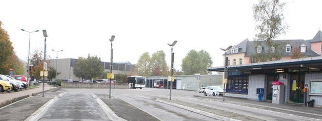 Die neue Sporthalle soll auf dem Gelände des Busbahnhofs entstehen.
