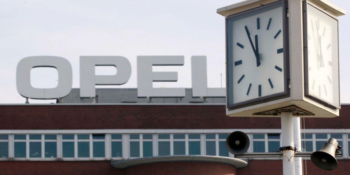 Opel schaut mit Spannung auf die Folgen der Übernahme durch PSA.