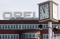 Outre le rachat des marques Opel et Vauxhall, qu'il espère faire revenir dans le vert d'ici à 2020, PSA (marques Peugeot, Citroën et DS) va reprendre conjointement avec la banque française BNP Paribas la filiale financière de GM Europe pour 900 millions d'euros.