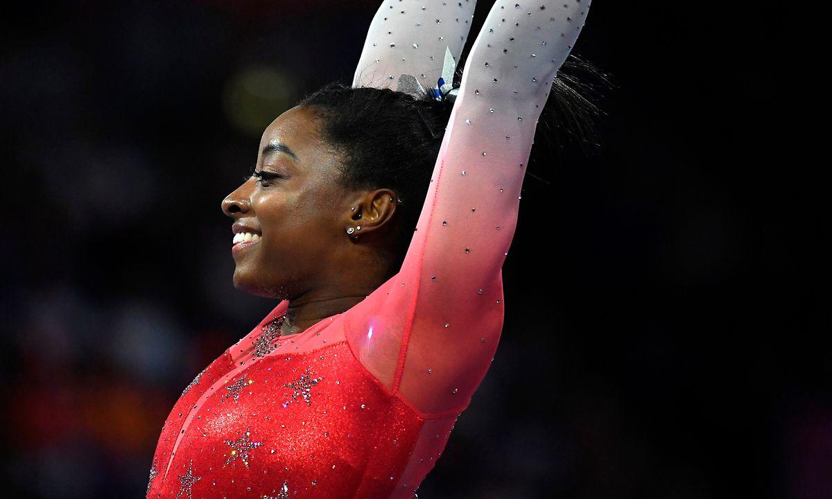 Simone Biles schwingt sich zur alleinigen WM-Rekordhalterin auf.