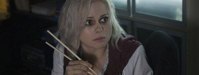 Lecker Hirn als Pausensnack: Liv (Rose McIver) muss sich an das neue Leben als Zombie gewöhnen.