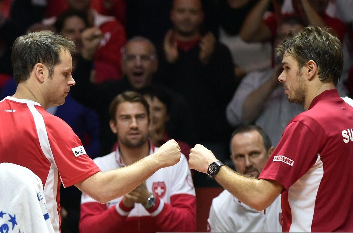 Stanislas Wawrinka joué juste pour dominer Jo-Wilfried Tsonga en quatre manches.