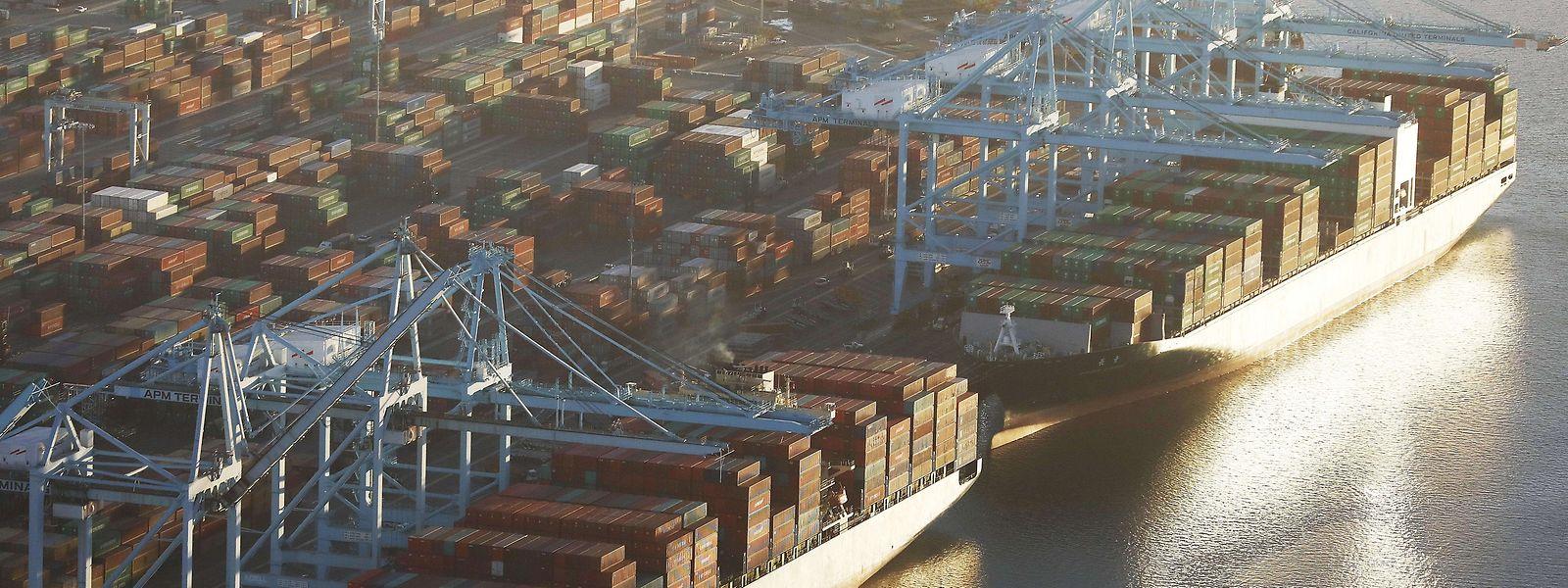Containerschiffe im Hafen von Los Angeles: Der Handel zwischen den USA und China könnte unter den Maßnahmen leiden.