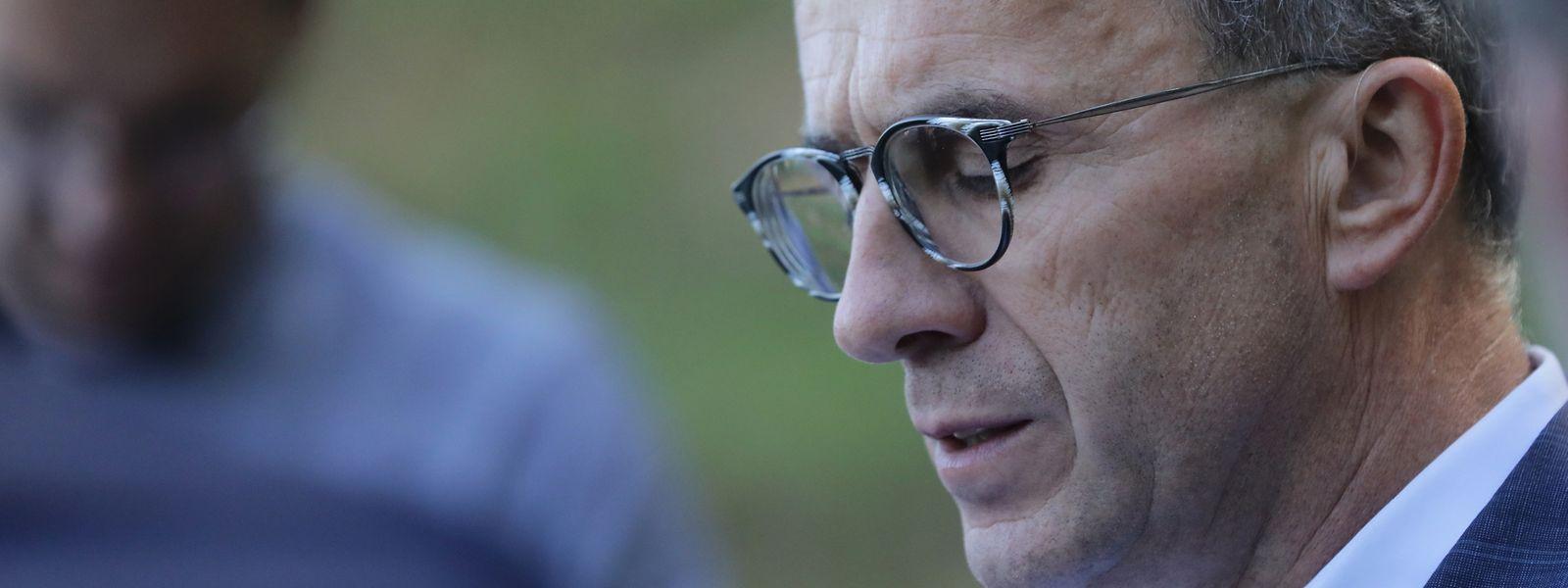 Roberto Traversini s'explique devant la presse le 18 septembre 2019. Deux jours plus tard, il quittera son poste de bourgmestre de Differdange.