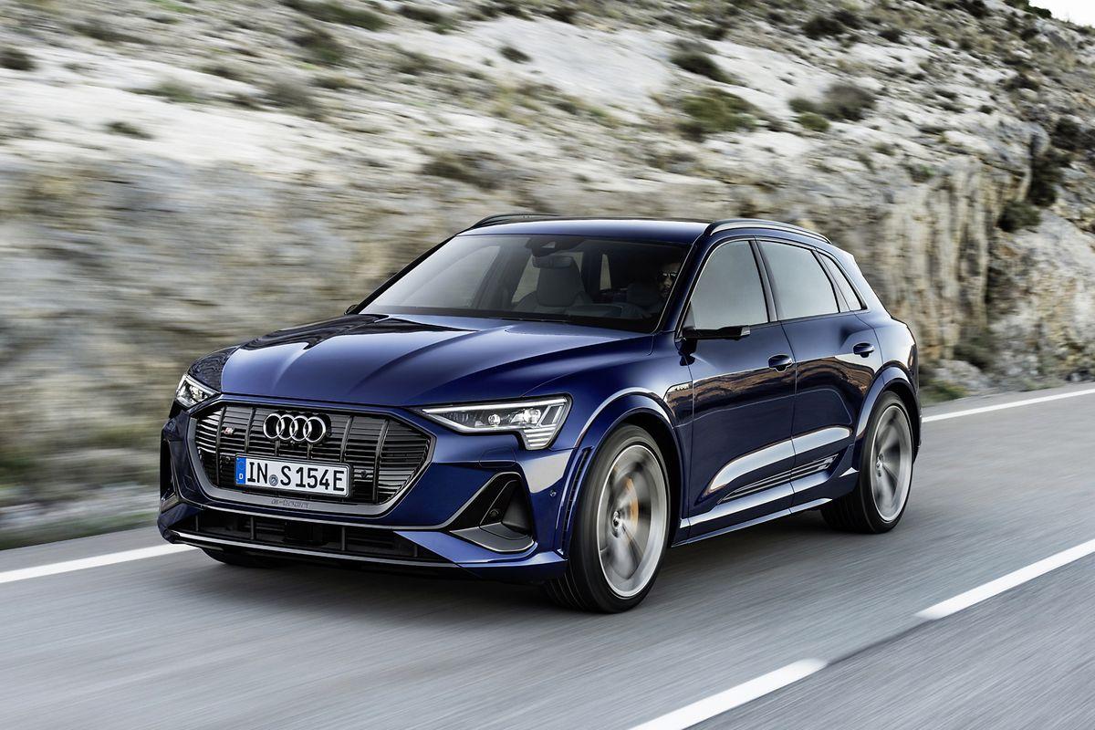 Elektrisches Ringen um den besten Vortrieb: Beim Audi E-Tron S gesellen sich zum E-Motor an der Vorderachse zwei weitere Motoren an der Hinterachse.