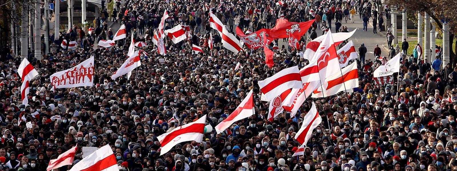 Am zehnten Wochenende in Folge demonstrierten in Belarus Tausende Menschen.
