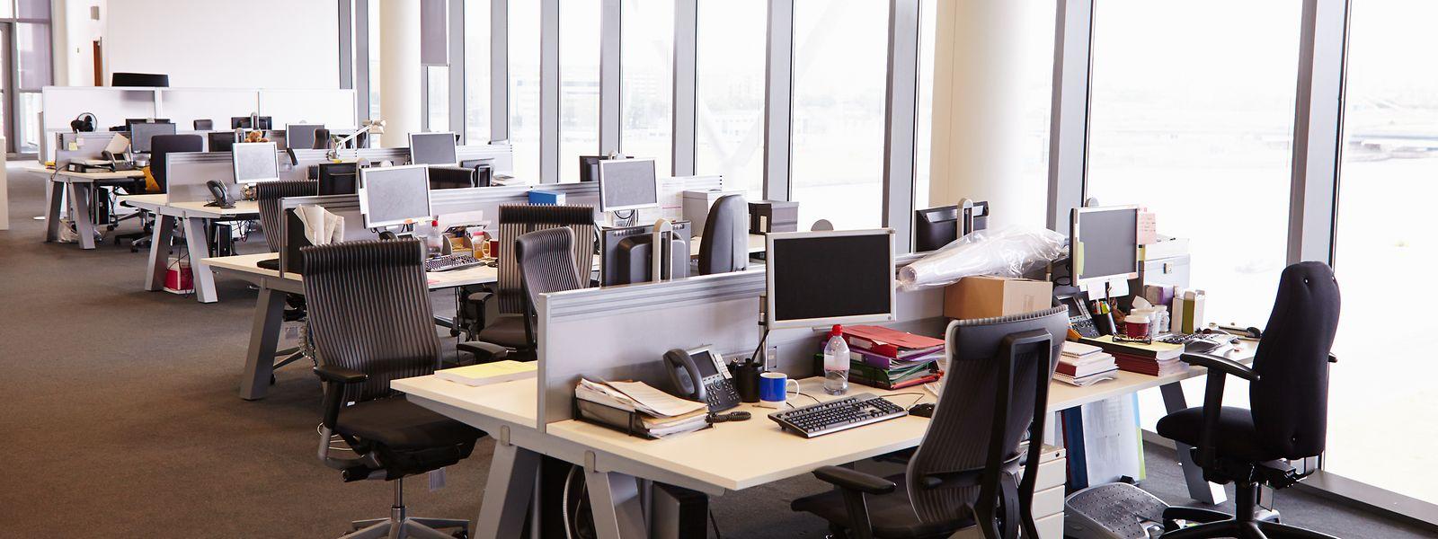 Désertés depuis des mois, les bureaux s'apprêtent à accueillir une vague de salariés pas forcément très sûrs d'eux.