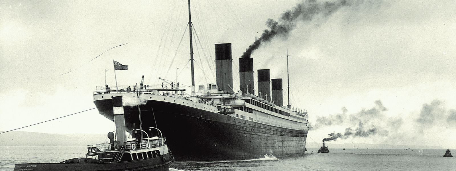 """Ein letzter Brief an die Mutter, rostige Schlüssel und Fotografien: Erinnerungen an das untergegangene Luxus-Passagierschiff """"Titanic"""" sind sehr gefragt. Das zeigt jetzt wieder eine Auktion in England."""