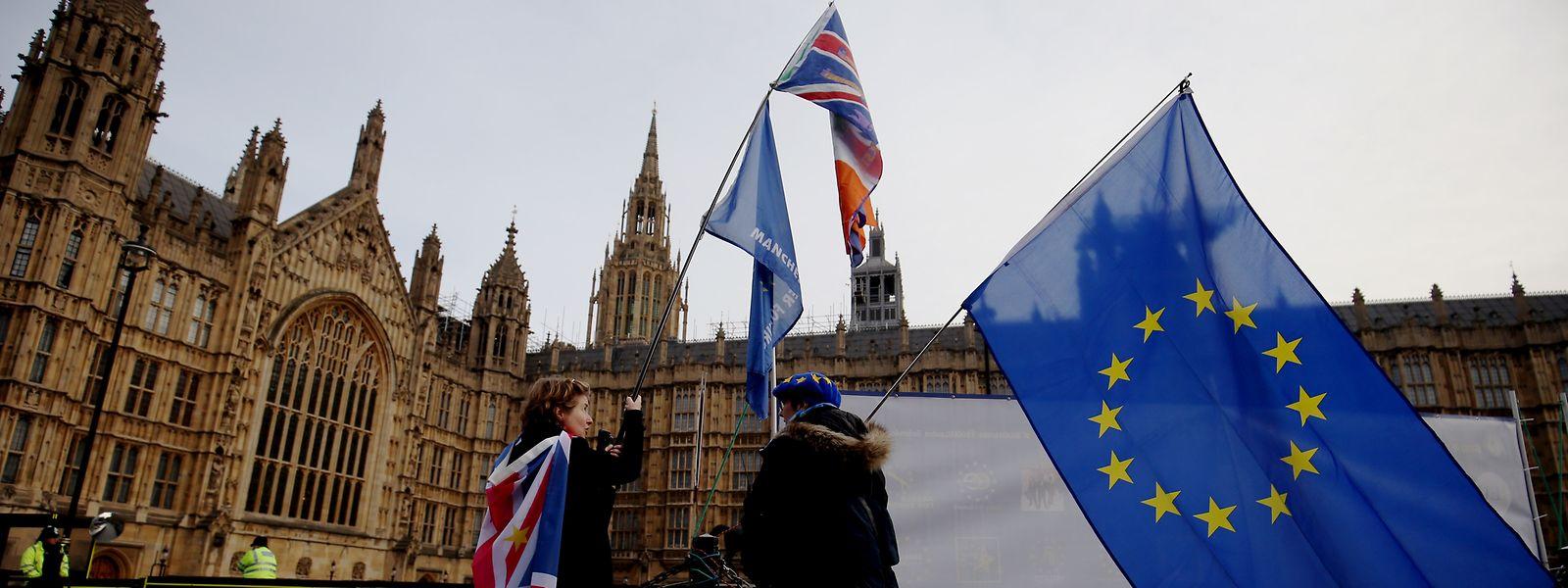 Parlamentssprecher John Bercow und die Labour-Abgeordnete Yvette Cooper sind derzeit Theresa Mays gefährlichste Gegner im Brexit-Kampf.