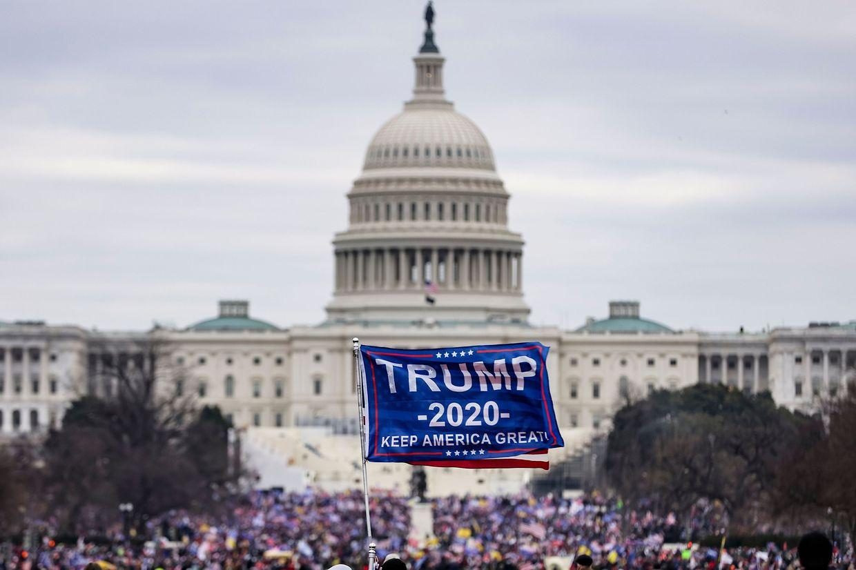 Le 6 janvier, une foule de manifestants était entrée de force au Capitole.