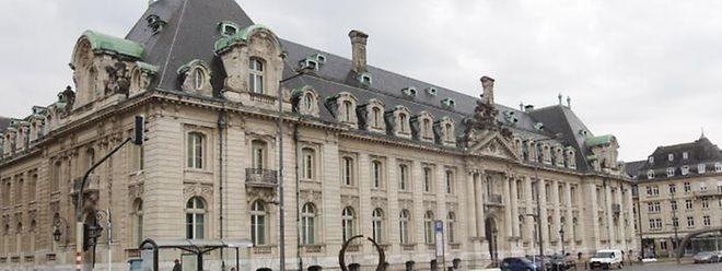 Le chateau de l'Arbed a été construit le long de l'avenue de la Liberté à Luxembourg dans les années 1920 sur un terrain cédé par l'Etat au groupe sidérurgique.