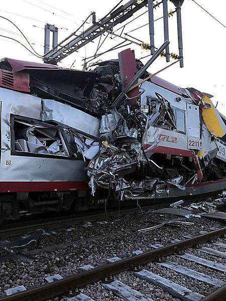 Die Bergung der sechs verletzten Passagiere gestaltete sich als schwierig.
