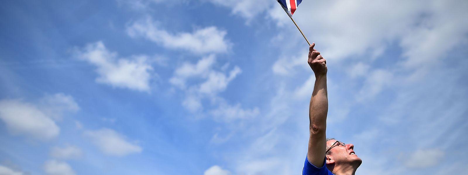 Mehr als drei Millionen Briten verlangen per Petition, noch einmal abstimmen zu dürfen.