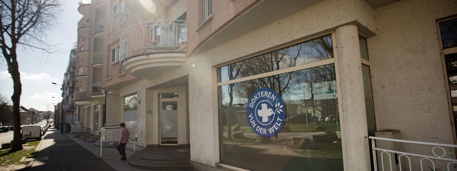 In den Räumlichkeiten auf Nummer 30, Dernier Sol in Bonneweg, sind die Médecins du Monde montags, mittwochs und freitags im Einsatz. Weitere Sprechstunden finden im nahe gelegenen Foyer Esperanza sowie in Esch/Alzette statt.