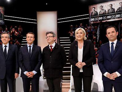 François Fillon, Emmanuel Macron, Jean-Luc Mélenchon, Marine Le Pen et Benoît Hamon se sont affrontés dans un long débat de trois heures trente qui a laissé au deuxième plan les affaires ayant secoué la campagne jusqu'ici..