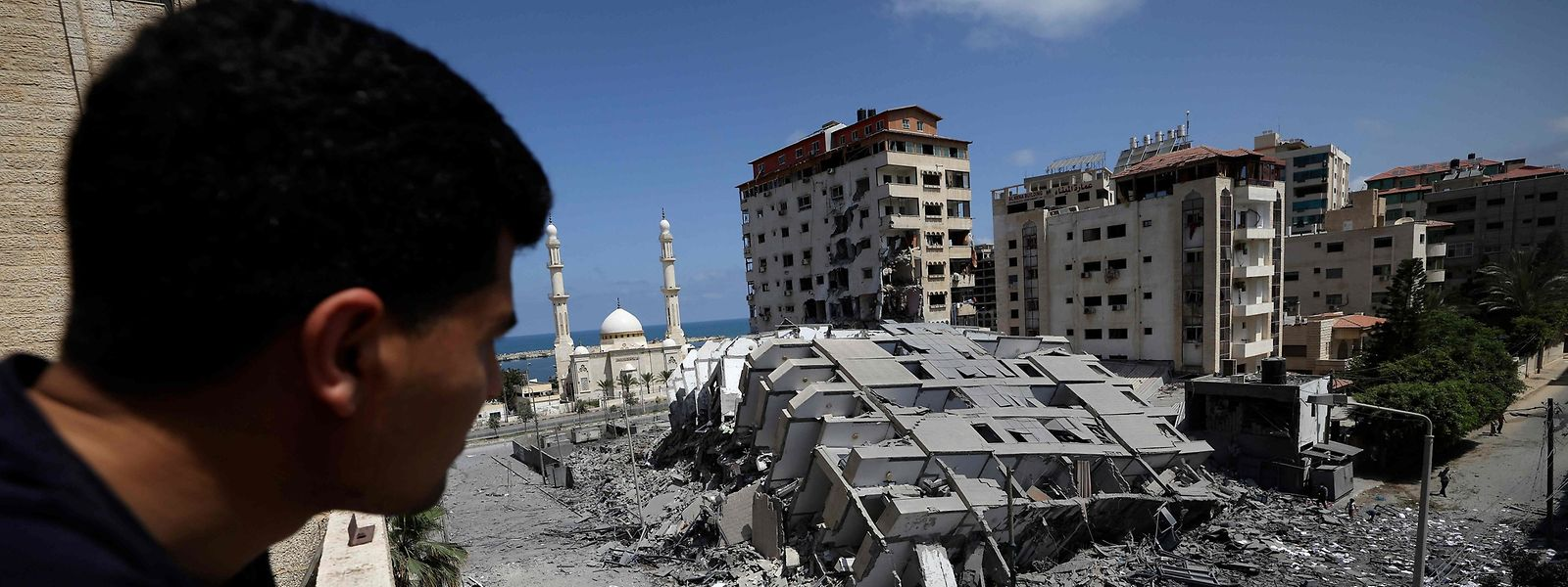 Nach einem israelischen Luftangriff in Gaza City, am Mittwochmorgen.