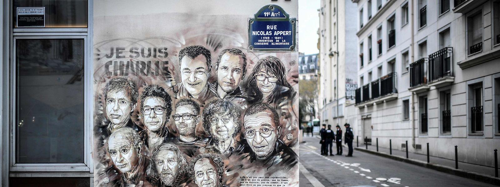 Die Charlie-Redaktion. Bei dem Anschlag töteten die Kouachi-Brüder damals mehrere bekannte Zeichner des Blattes.