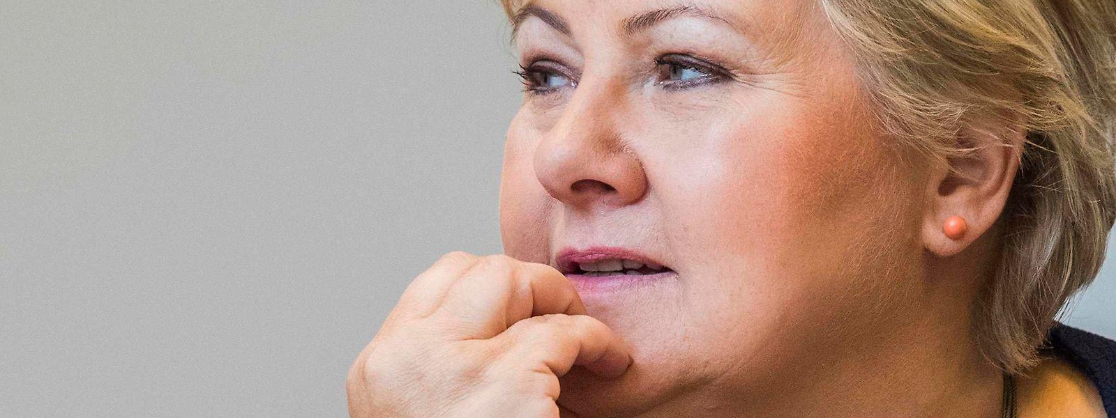 Premierministerin Solberg kann weiter regieren.