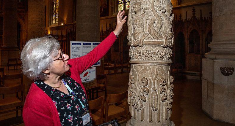 Mireille Sigal ist die Ansprechpartnerin für das Sommerangebot in der Kathedrale.