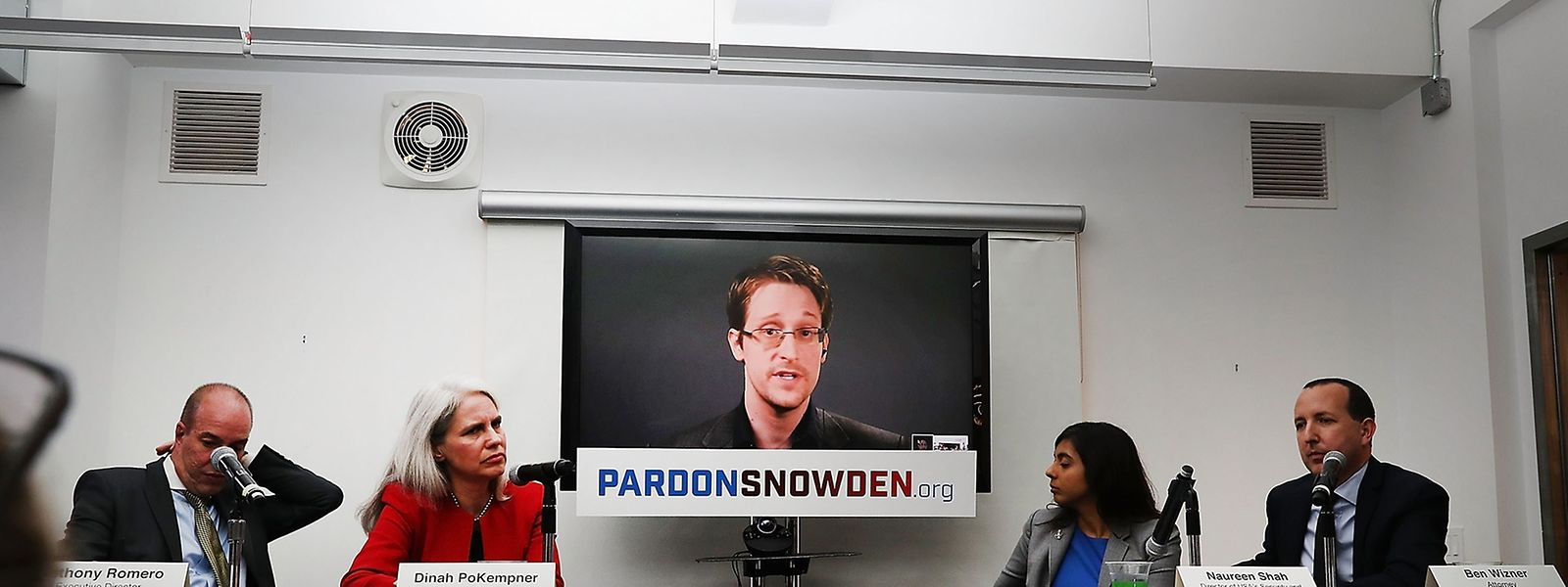 Edward Snowden wurde der Pressekonferenz in New York per Video zugeschaltet.