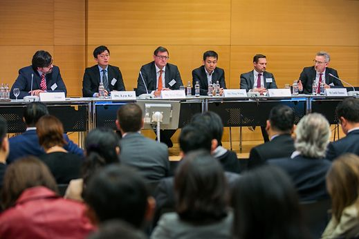 Sascha Bremer, Market Intelligence Advisor at Luxembourg For Finance, moderated a panel discussion with a number of senior representatives of Chinese banks present in Luxembourg and members of the local financial industry.
