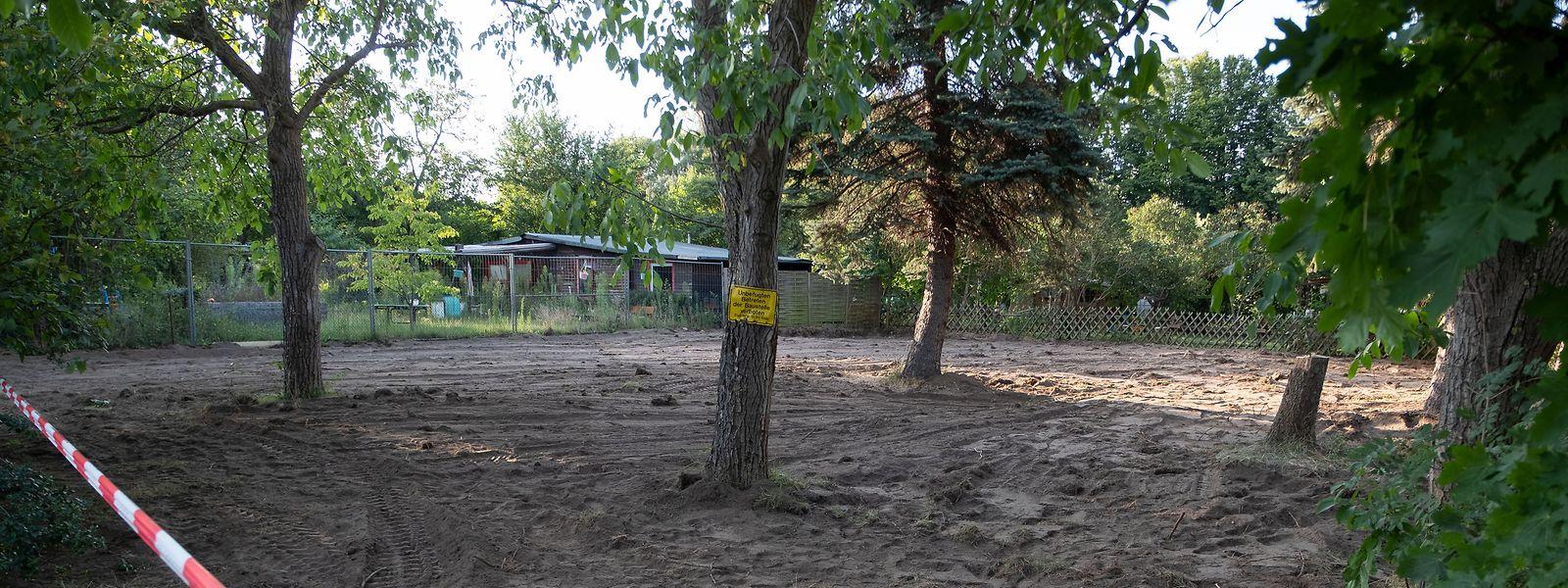 Die Kleingarten-Parzelle bei Seelze nach Beendigung der Polizeiaktion im Fall der vor 13 Jahren verschwundenenkleinen Maddie McCann.