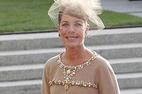 Prinzenhochzeit - mariage princier - Familie und Gaeste auf dem Weg in die Kathedrale - Caroline von Monaco – Prinzessin von Hannover