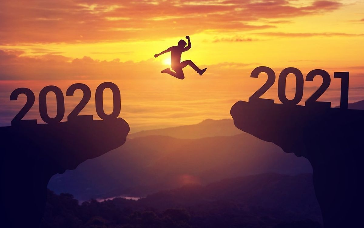2020, the year women swapped high heels for crocs and men grew unruly beards Photo: Shutterstock