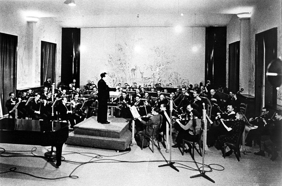 Das RTL-Radio-Orchester in 1983 im Auditorium der Villa Louvigny.