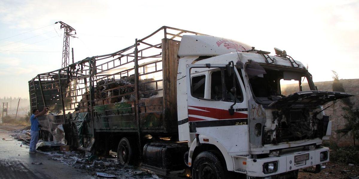 Environ 20 personnes ont trouvé la mort dans cette attaque aérienne, lundi près d'Alep, contre un convoi humanitaire.