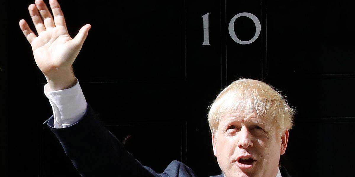 Der britische Premierminister Boris Johnson will am Montag nach überstandener Covid-19-Erkrankung die Amtsgeschäfte wieder aufnehmen.