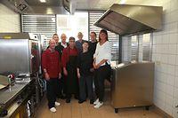 """Das Sozialrestaurant der Stëmm vun der Strooss beschäftigt mehrere Mitarbeiter am Tag. Viele von ihnen befinden sich in einem Programm der """"Wiedereingliederung in die Gesellschaft""""."""