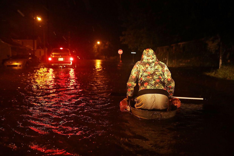 """US-Medien verglichen """"Florence"""" schon vor seiner Ankunft mit Wirbelstürmen wie """"Katrina"""", der 2005 Tod und Schrecken über die Südstaaten gebracht hatte."""