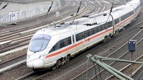 Der Junge war zunächst mit dem Zug nach Hamburg und von dort aus nach Basel gefahren.