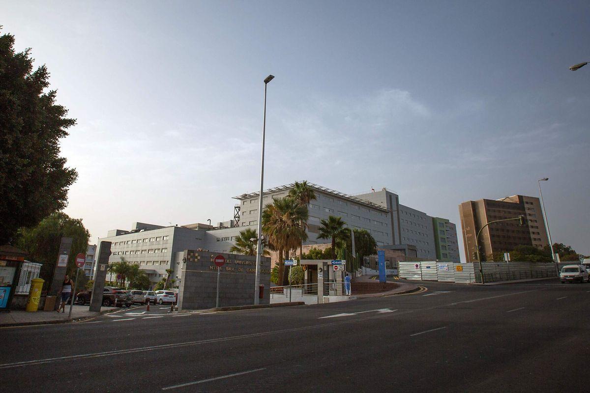 Der italienische Hotelgast wird derzeit im Universitätskrankenhaus Nuestra Señora de Candelaria in Santa Cruz de Tenerife behandelt.
