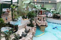 L'Aquafun s'est ainsi transformé en AquaMundo, équipé d'un double toboggan, d'une petite piscine pour enfants et d'un nouvel éclairage, le tout dans un décor tropical.