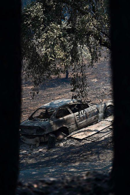 Bild vom 17. Juni 2017: Ein ausgebranntes Auto in Figueiro dos Vinhos.