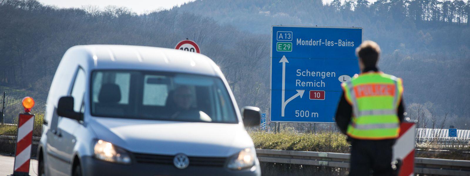 An den deutsch-luxemburgischen Grenzübergängen finden seit 16. März Kontrollen statt, was mitunter zu langen Staus führte.