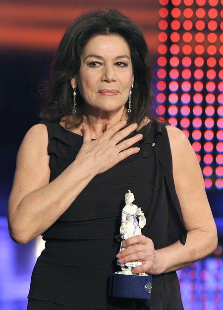 2011: Hannelore Elsner erhält bei der Verleihung des Bayerischen Filmpreises in München den Ehrenpreis.