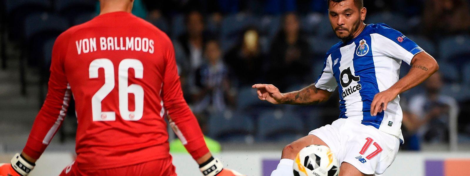 O FC Porto bateu o Young Boys por 2-1.