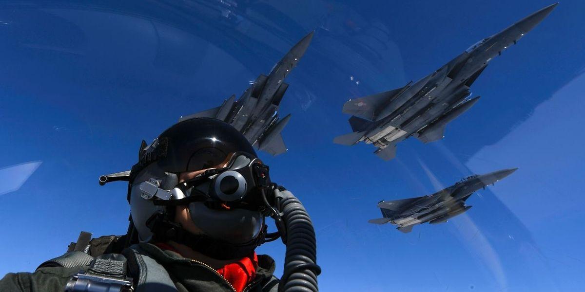 Kampfjets der US-Air Force auf Patrouille über dem südchinesischen Meer.